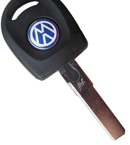 Volkswagen Transponder Key. Transponder: ID48 Key Blade: HU66 This key comes complete with a transponder chip (ID48) and can be supplied uncut, cut to code, cut to photo or cut to the vehicle's door lock. To find out more about our cutting service please see the 'key cutting' link at the top of the page along with the information below. Suitable for the following models: Volkswagen Beetle (1998 - 2004) Volkswagen Bora (1998 - 2005) Volkswagen Fox (2005 - 2012) Volkswagen Golf (1998 - 2004) Volkswagen Passat (1997 - 2005) Volkswagen Polo (2002 - 2005) Volkswagen Quantum (1998 - 2005) Note: The key will need to be programmed before it will start the car. Please see the following guidance for who will be able to program this key type.