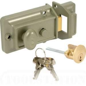 traditional-yale-nightlatch